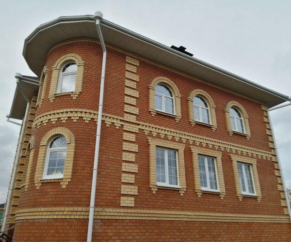 29 Установка арок и вх группы в доме в Подстепках