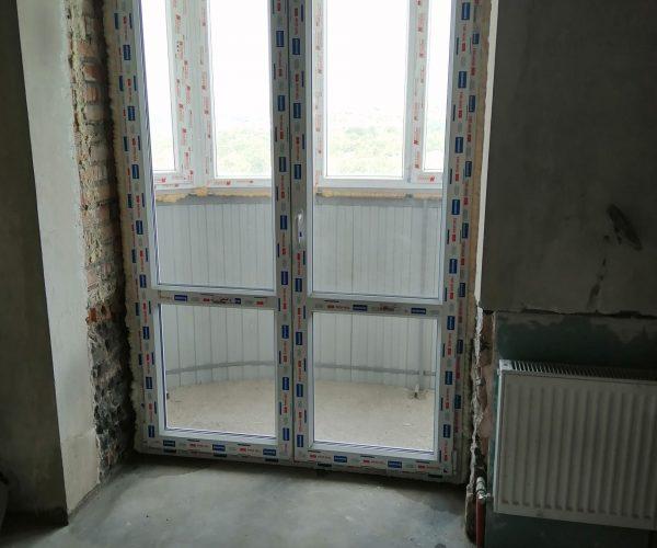 Балконный блок со штульповыми дверями без отделки проема